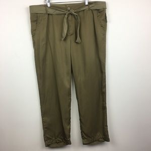 NWT Gap 100% Tencel Belted Lightweight Ankle Pants